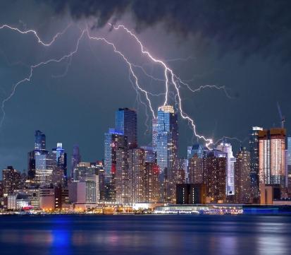 Photo_lightning_bolt